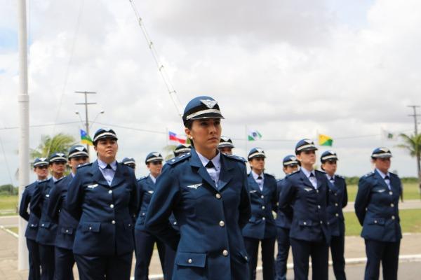 FAB forma novos militares das áreas de saúde e técnica