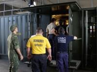 Laboratório móvel de análises químicas e biológicas: container adaptado, capaz de ser transportado por vias marítima, terrestre e aérea