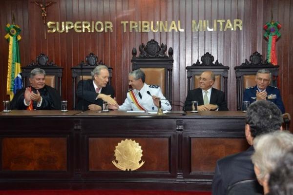 Oficial-general da FAB assume presidência do Superior Tribunal Militar