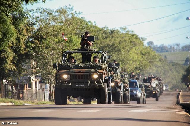 1ª Brigada de Cavalaria Mecanizada recebe a visita do Cmt 3ª Divisão de Exército