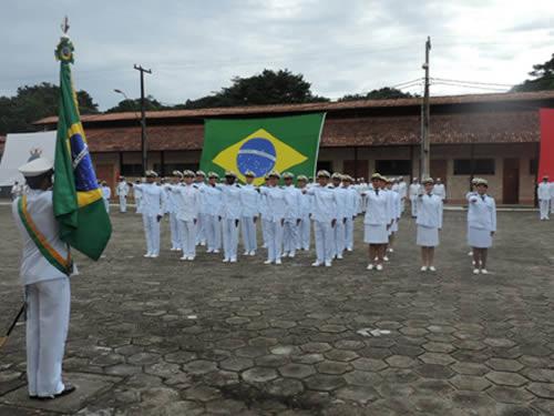 Comando do 4° Distrito Naval realiza Cerimônia Militar de Juramento à Bandeira Nacional por Guardas-Marinha