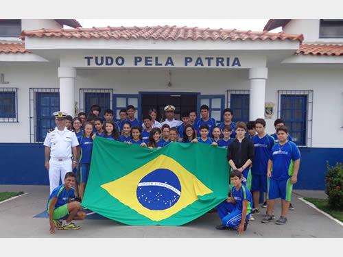 Delegacia Fluvial de Cuiabá recebe alunos do SESI Escola Leonor Barreto Franco