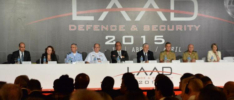 Mesa de Abertura da LAAD 2015: Evento é o maior já realizado, com presença de 150 delegações de 71 países
