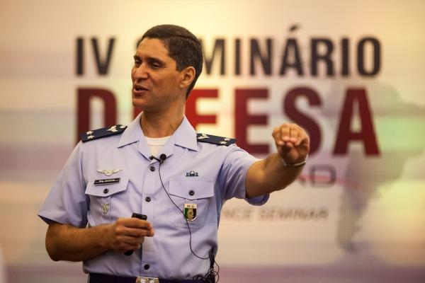 LAAD 2015 debate temas estratégicos para a defesa nacional