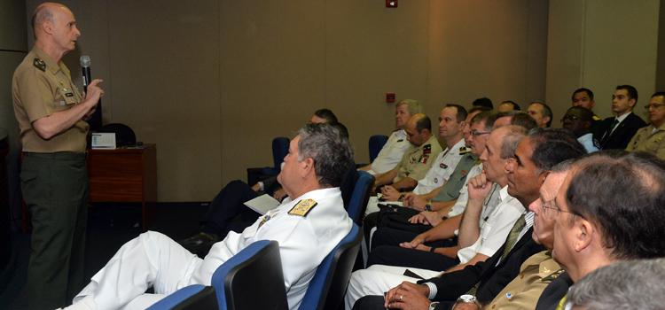 Na abertura, general Menandro ressaltou que existem muitos exemplos de diplomacia no cotidiano da defesa brasileira