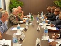 Jaques Wagner e autoridades brasileiras se reuniram com a comitiva da África do Sul em reunião na manhã da terça-feira (15) - Foto: Felipe Barra