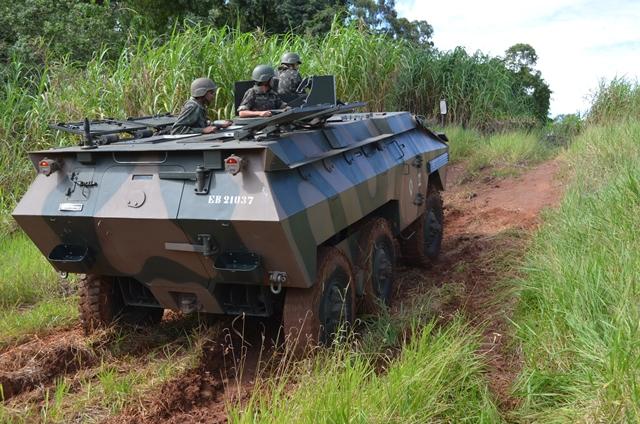13º Regimento de Cavalaria Mecanizado realizou a prova de conclusão do Curso de Motorista de Viaturas Blindadas