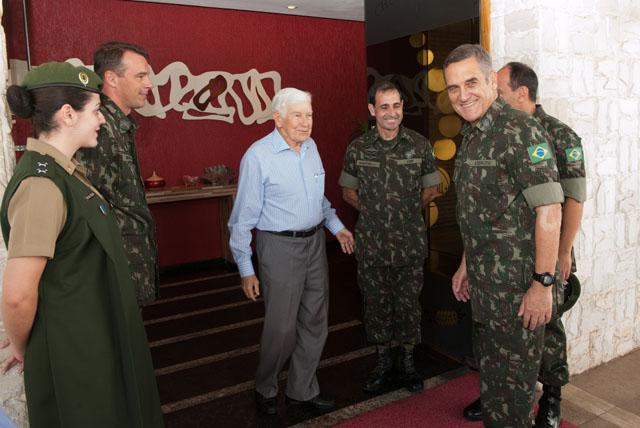 Exército Brasileiro estabelece canal direto de comunicação com integrantes da reserva