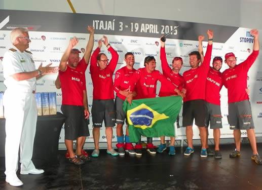 """Comando do 5° Distrito Naval participa da premiação brasileira da regata """"Volvo Ocean Race"""", em Itajaí (SC)"""