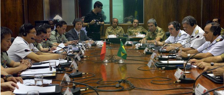 Brasil e China vão intensificar o intercâmbio entre militares