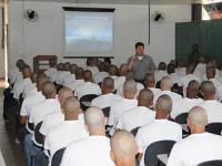 Capitão dos Portos de Brasília fala para 110 Marinheiros-Recrutas