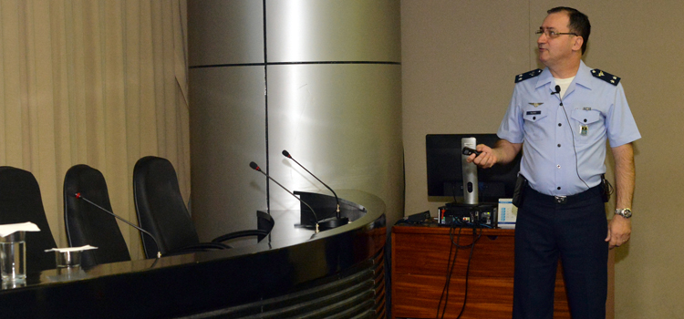 Brigadeiro Ricardo Reis Tavares, do EMAER: Ajuda humanitária é uma das estratégias de projeção internacional da FAB