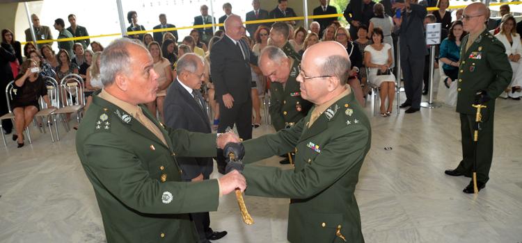 Os nove generais-de-brigada recém promovidos são das armas de Material Bélico, Intendência, Infantaria, Artilharia e Cavalaria