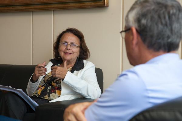 """""""Devemos mostrar à sociedade a importância dos projetos da FAB"""", afirma Deputada"""