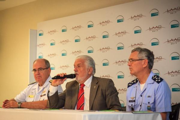 """""""As Forças têm um respeito e uma confiança muito grande da população"""", diz o Ministro Jaques Wagner"""