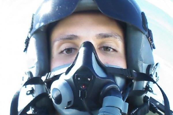 A emoção do primeiro voo solo no Super Tucano