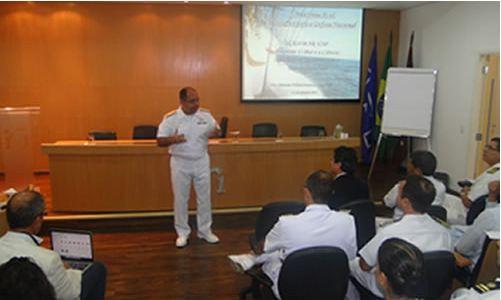 """Marinha do Brasil participa do Simpósio """"O Mar e a Ciência"""", em São Paulo"""
