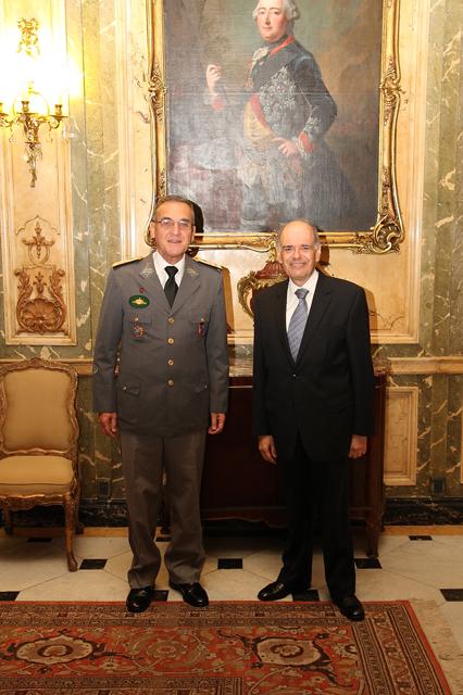 Visita do Comandante do Exército à Embaixada do Brasil na Argentina