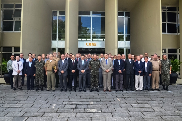 CMNE recebe autoridades civis e militares no Quartel General do Curado