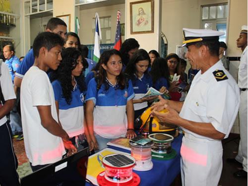 """Marinha do Brasil realiza Exposição no evento """"Show das Águas, Meio Ambiente e Cidadania"""", em Manacapuru (AM)"""