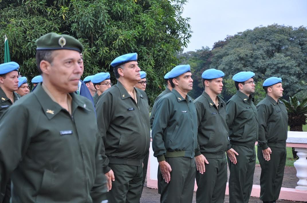 Dia Internacional dos Peacekeepers é comemorado na EsPCEx - Folha ...