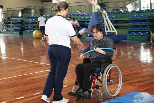 Federação Internacional de Voleibol Sentado conhece instalações da Aeronáutica no RJ