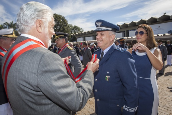 Militares da Força Aérea recebem Medalha da Ordem do Mérito Naval