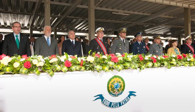 Unidade do Exército Brasileiro é condecorada com a Ordem do Mérito Naval