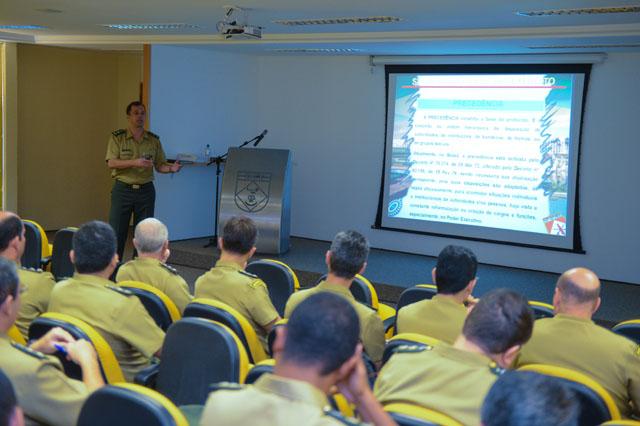 Estágio de Comunicação Social para Oficiais do QEMA