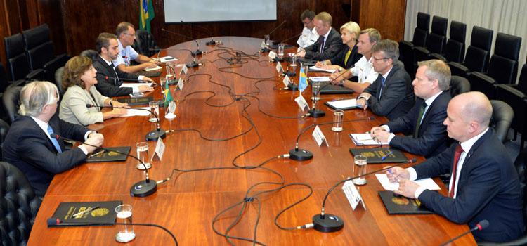 A secretária-geral afirmou que a visita é um passo importante para aproximar ainda mais as relações entre Brasil e Suécia nas áreas estratégicas.