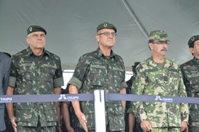 Entrega de Viaturas Operacionais à Cooperação Militar Brasileira no Paraguai