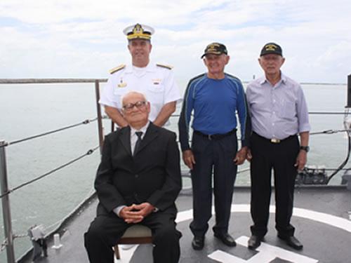 Comando do 3º Distrito Naval realiza homenagem à memória dos mortos da Marinha em Guerra