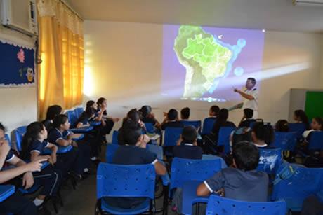 Batalhão de Operações Ribeirinhas realiza Ação Cívico-Social em Colégio de Manaus (AM)