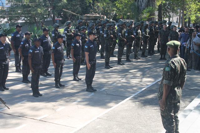 Forças Armadas entregam o Comando da Força de Pacificação do Complexo da Maré à Polícia Militar