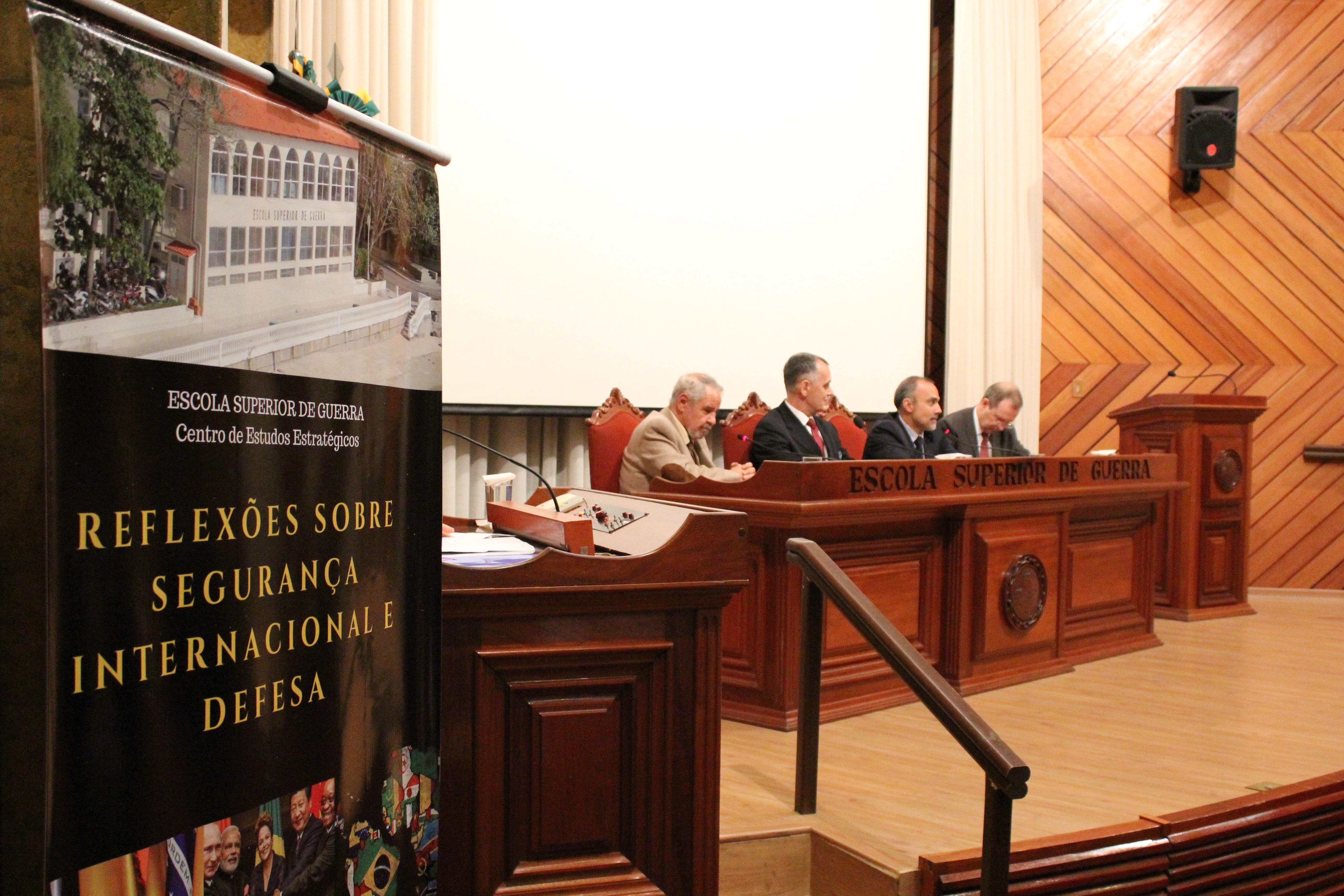 CEE Debate a América do Sul