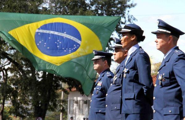 Aniversário de Santos-Dumont é celebrado por todo o País