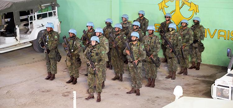Marinha irá contratar companhia aérea para transporte de militares para o Haiti