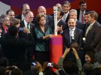 Tocha olímpica vai circular pelo Brasil de Norte a Sul, de Leste a Oeste. Para Dilma, Brasil fará uma Olimpíada com competência e hospitalidade