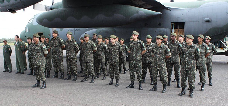 Militares DBQRN ajudam governo paraguaio na visita do papa Francisco