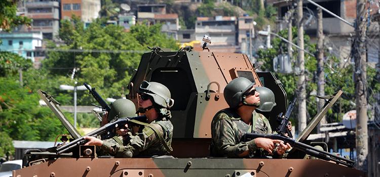 Forças Armadas passam o comando da Força de Pacificação do Complexo da Maré para a Polícia Militar do Rio de Janeiro
