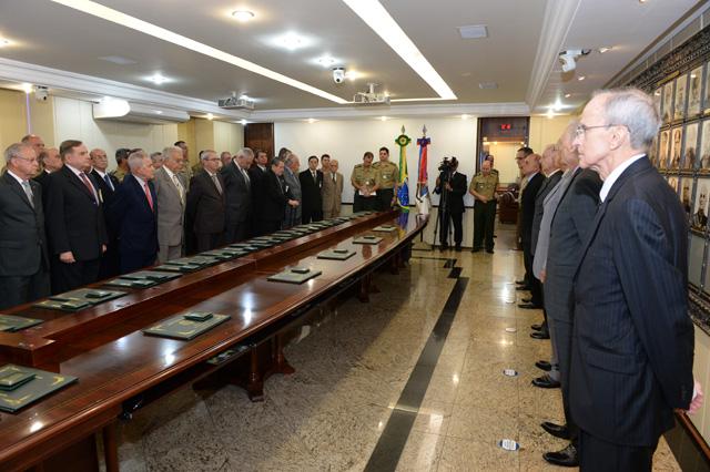Alto-Comando do Exército realiza reunião de número 300