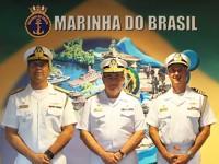 Comandante da Marinha (centro), Adido Naval nos Estados Unidos e no Canadá (esq.) e Presidente da Comissão Naval Brasileira em Washington (dir.)