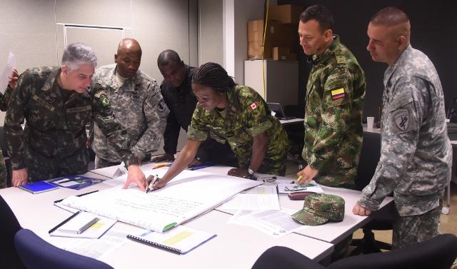 Comandante do COTER participa do Exercício Conjunto Combinado PANAMAX 2015