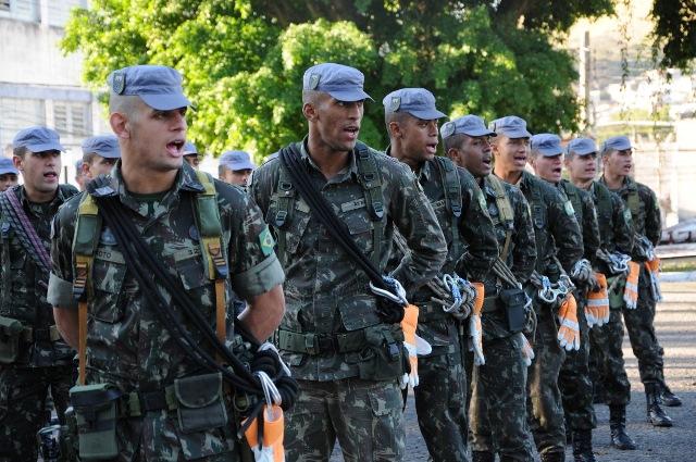 4ª Brigada de Infantaria Leve de Montanha realiza Simpósio de Doutrina e Brevetação de combatentes de montanha