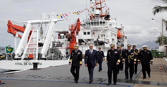 Jaques Wagner visita Navio Hidroceanográfico de Pesquisa Vital de Oliveira (NPqHo)