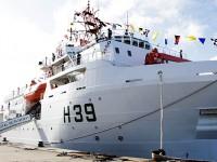 Vital de Oliveira pesa 3,5 mil toneladas e tem embarcado um robô com capacidade para chegar a 4 mil metros de profundidade