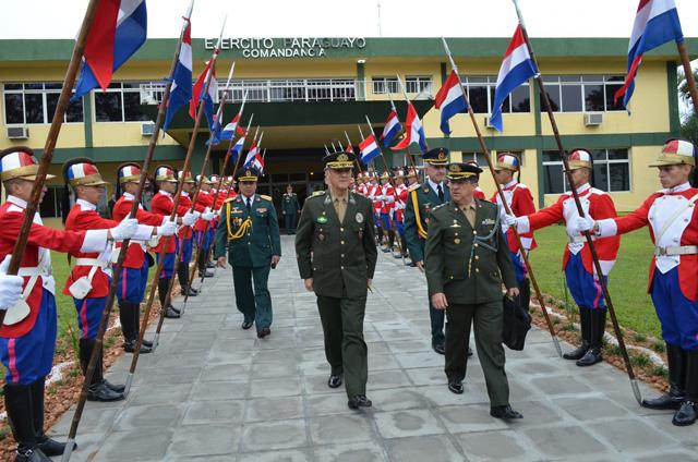 Viagem oficial do Comandante do Exército ao Paraguai