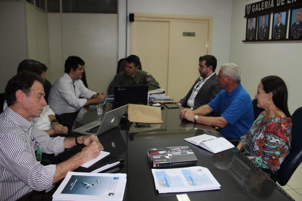 Grupo de estudo apresenta proposta de novo manual de treinamento para aviação