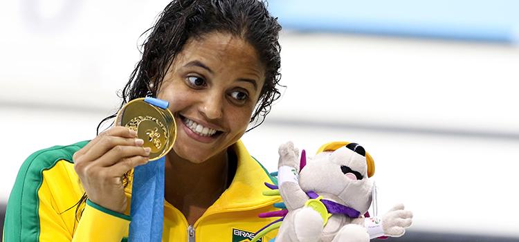 Etiene Medeiros, atleta da Marinha, obteve ouro nos 100 m costas - Foto: Danilo Borges / Brasil 2016