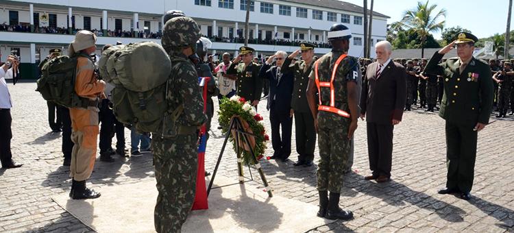 Dia do Soldado: militares e civis são homenageados pelo Exército